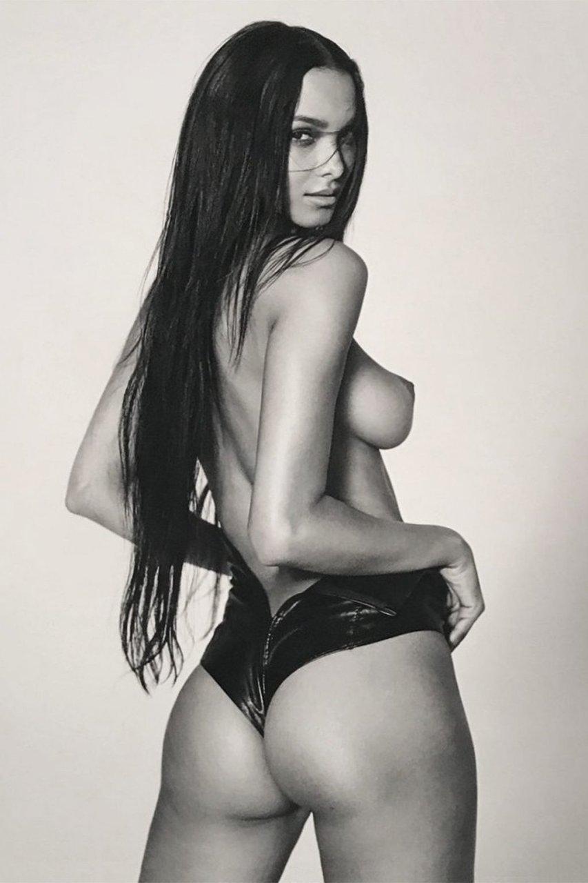 Lais Ribeiro Topless (1 Hot Photo)