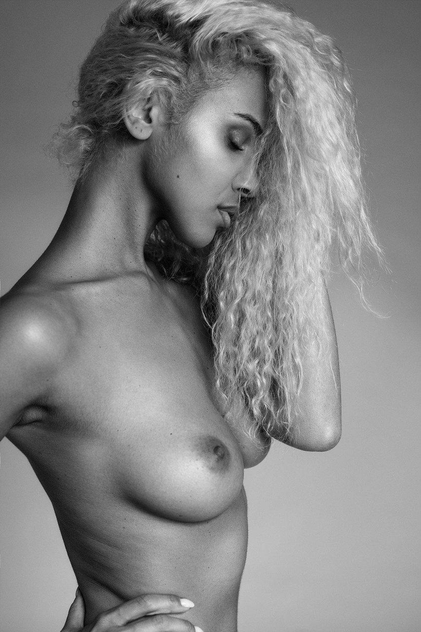 Sex Nakriko Akpamoli nude photos 2019