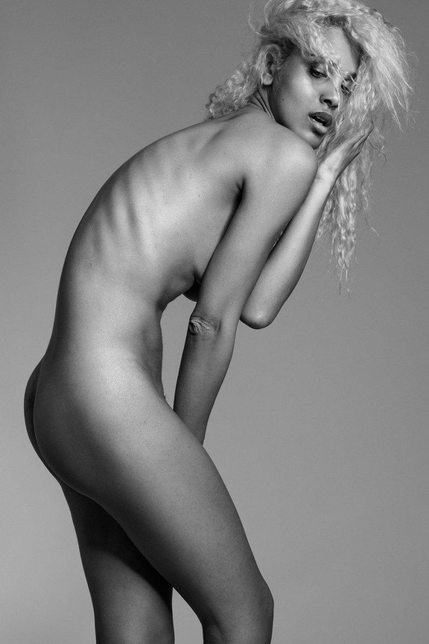 Sexy Seventen Nude HD