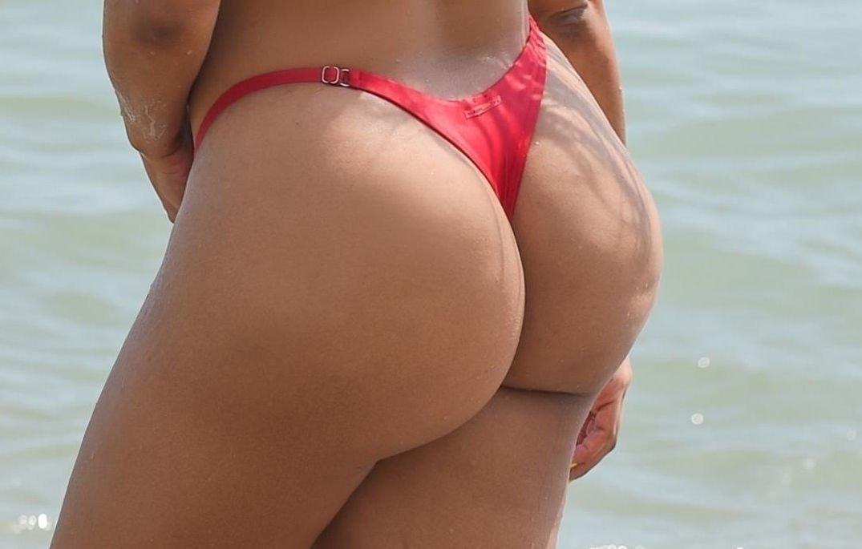 Super huge tits pics