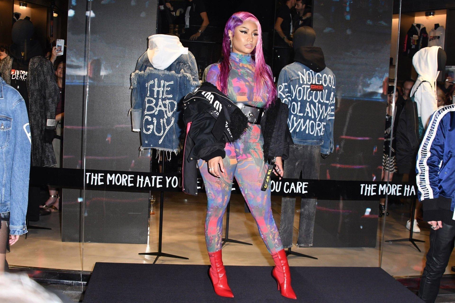 Nicki-Minaj-See-Through-TheFappeningBlog.com-11.jpg