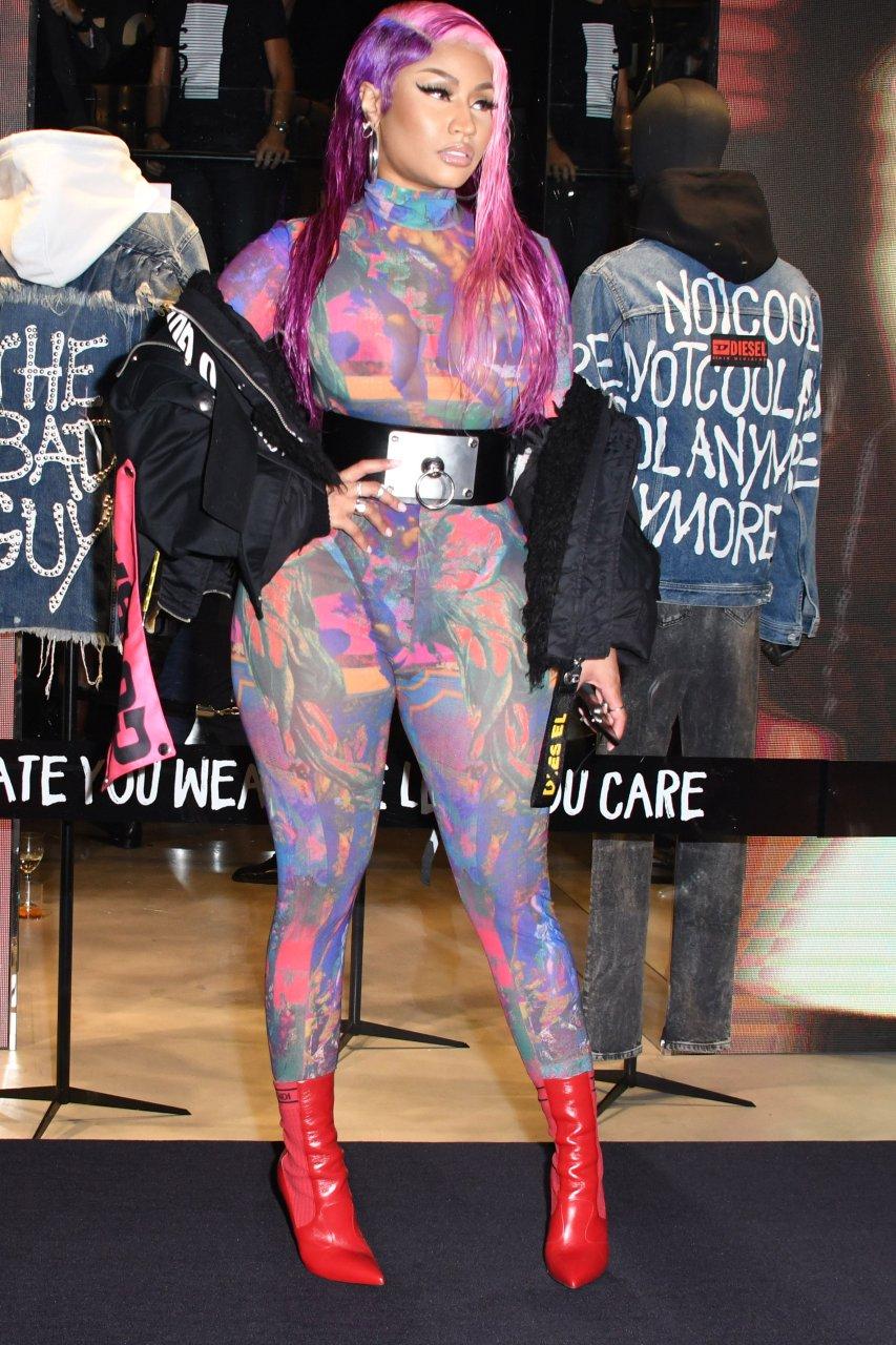Nicki-Minaj-See-Through-TheFappeningBlog.com-25.jpg