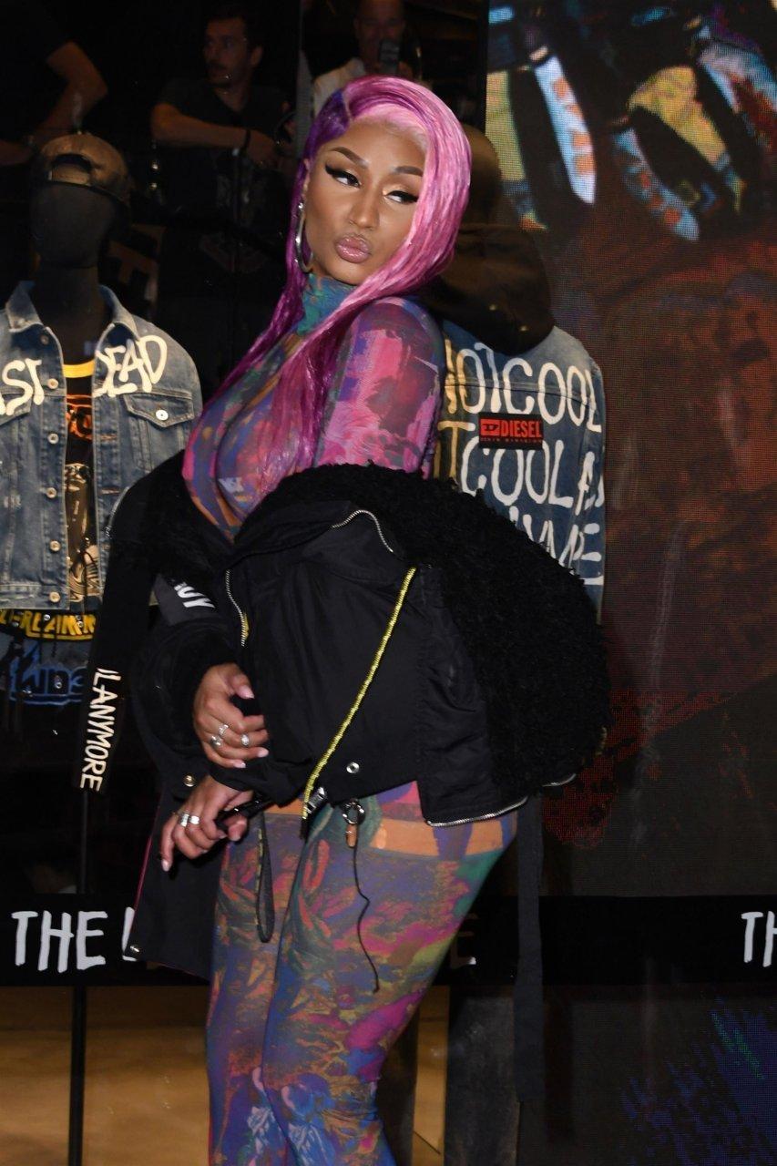 Nicki-Minaj-See-Through-TheFappeningBlog.com-3.jpg