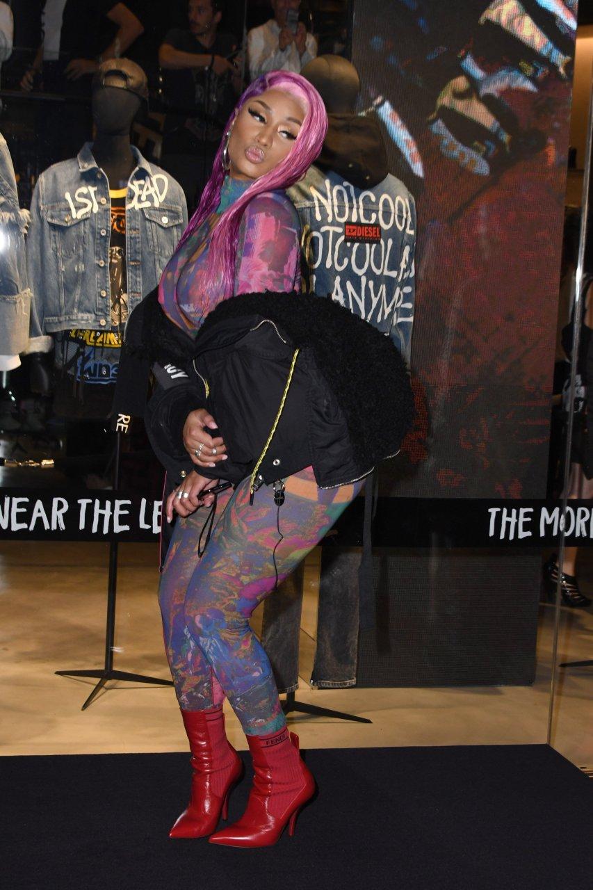 Nicki-Minaj-See-Through-TheFappeningBlog.com-30.jpg