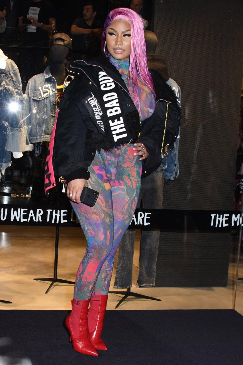 Nicki-Minaj-See-Through-TheFappeningBlog.com-37.jpg