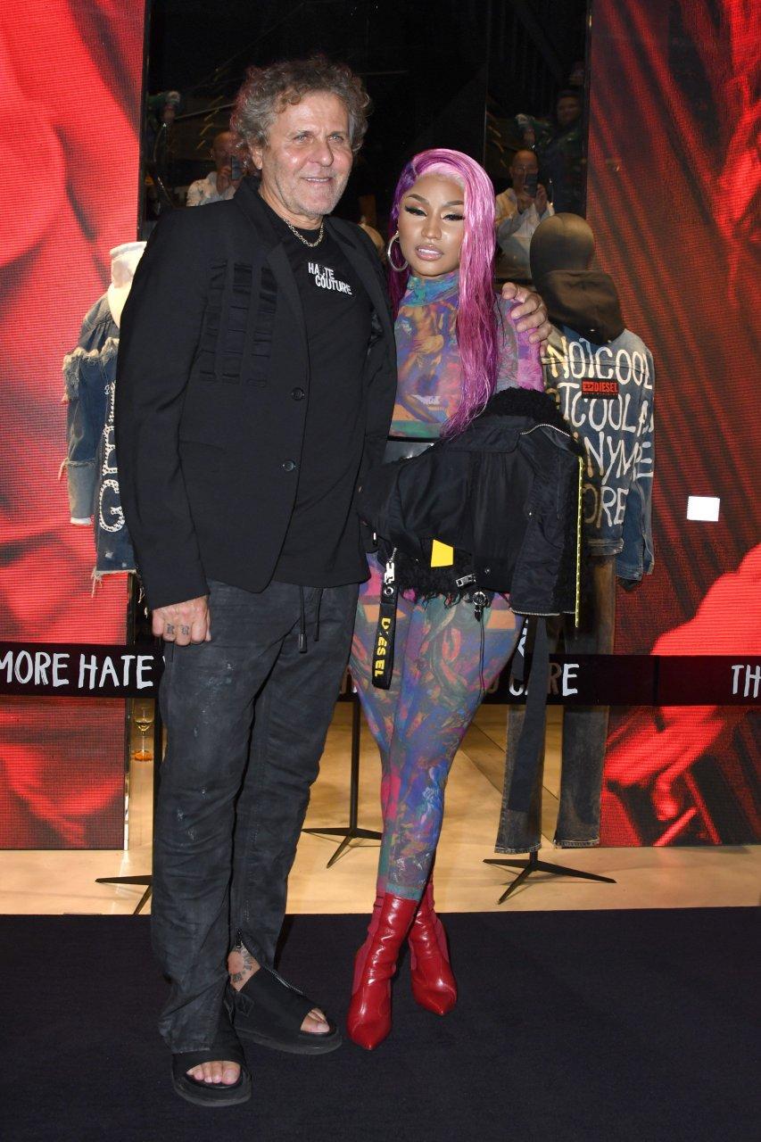 Nicki-Minaj-See-Through-TheFappeningBlog.com-46.jpg