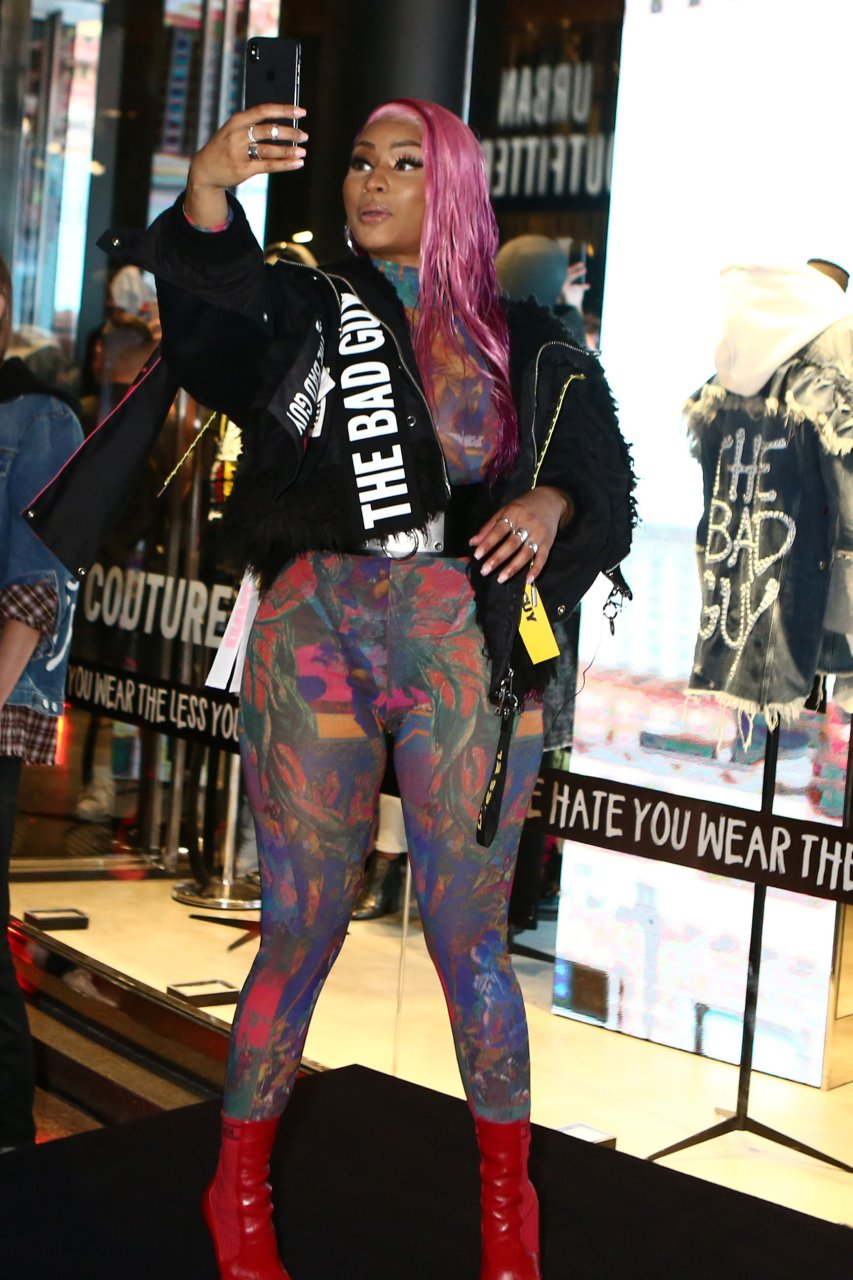 Nicki-Minaj-See-Through-TheFappeningBlog.com-47.jpg