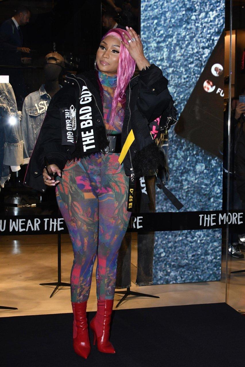 Nicki-Minaj-See-Through-TheFappeningBlog.com-8.jpg