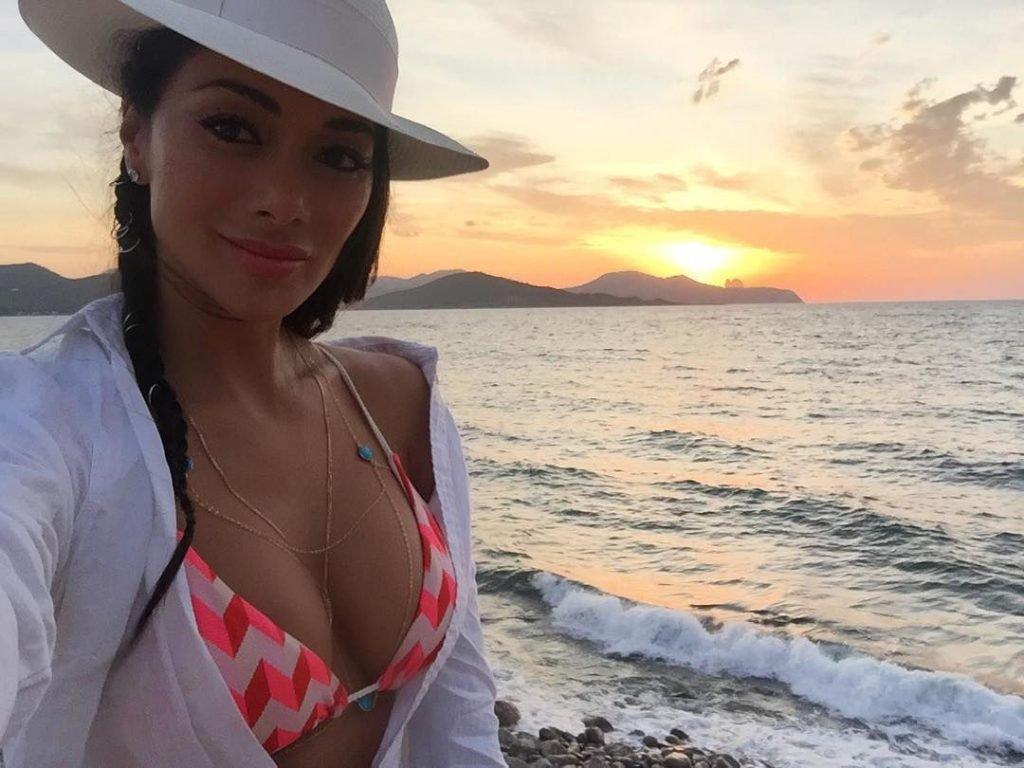 Nicole Scherzinger Sexy (97 Photos)