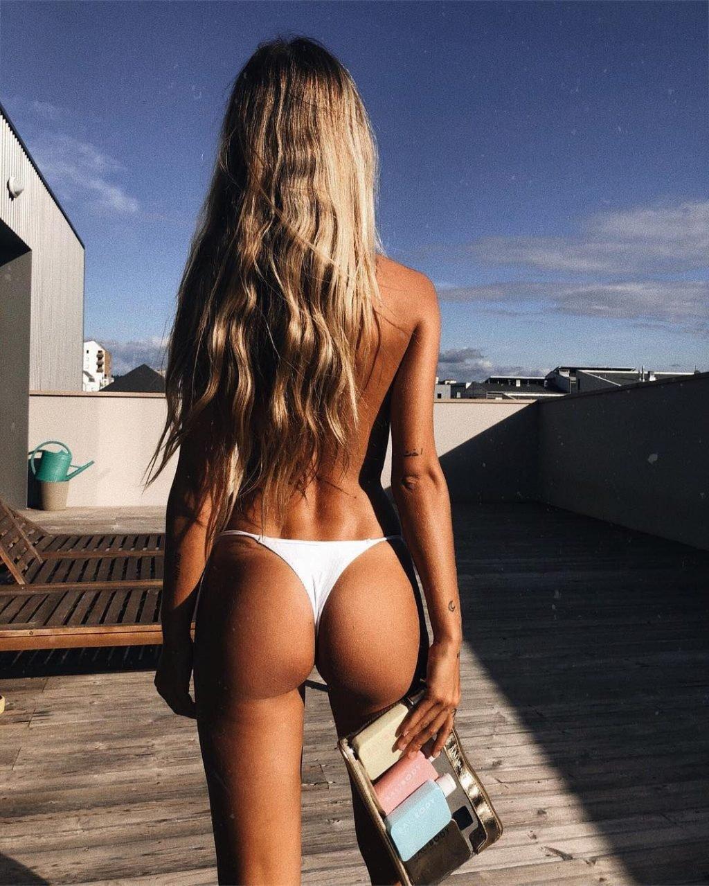 Pauline Tantot Nude & Sexy (100 Photos)