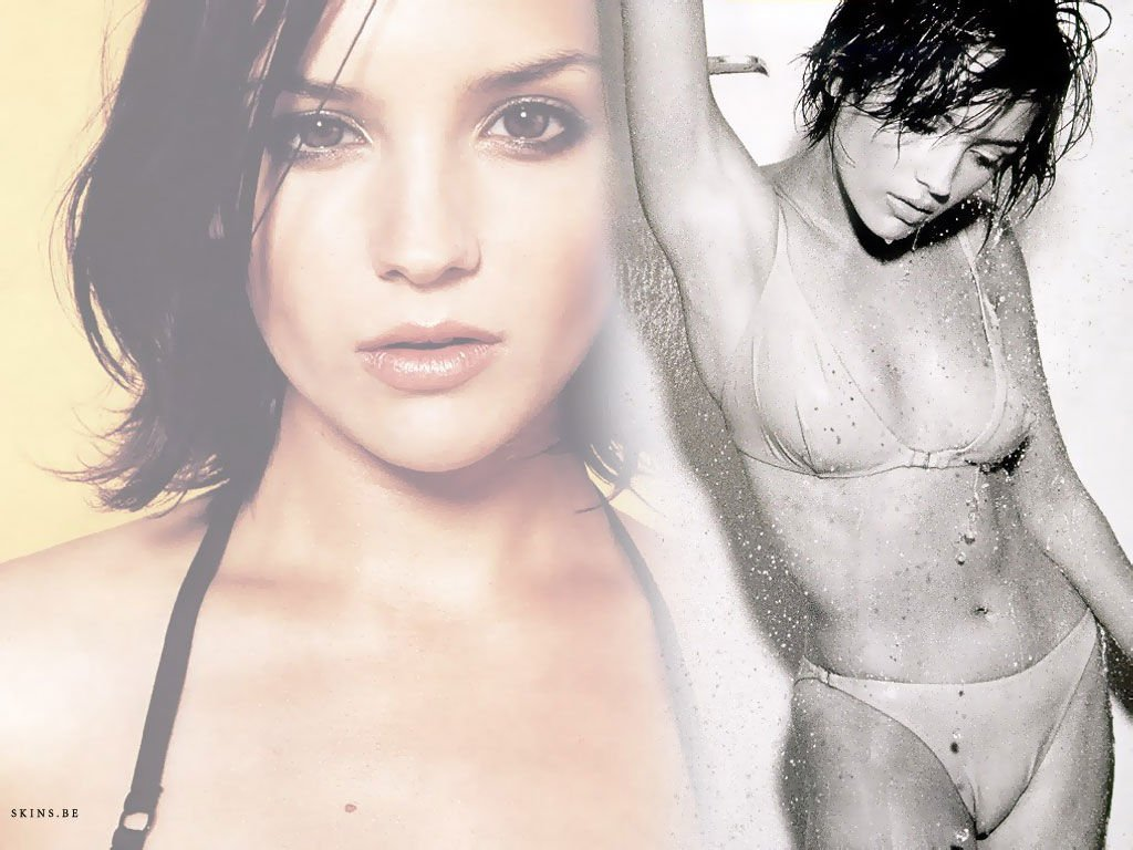 Full rachael leigh cook sexy photo shared by neilla