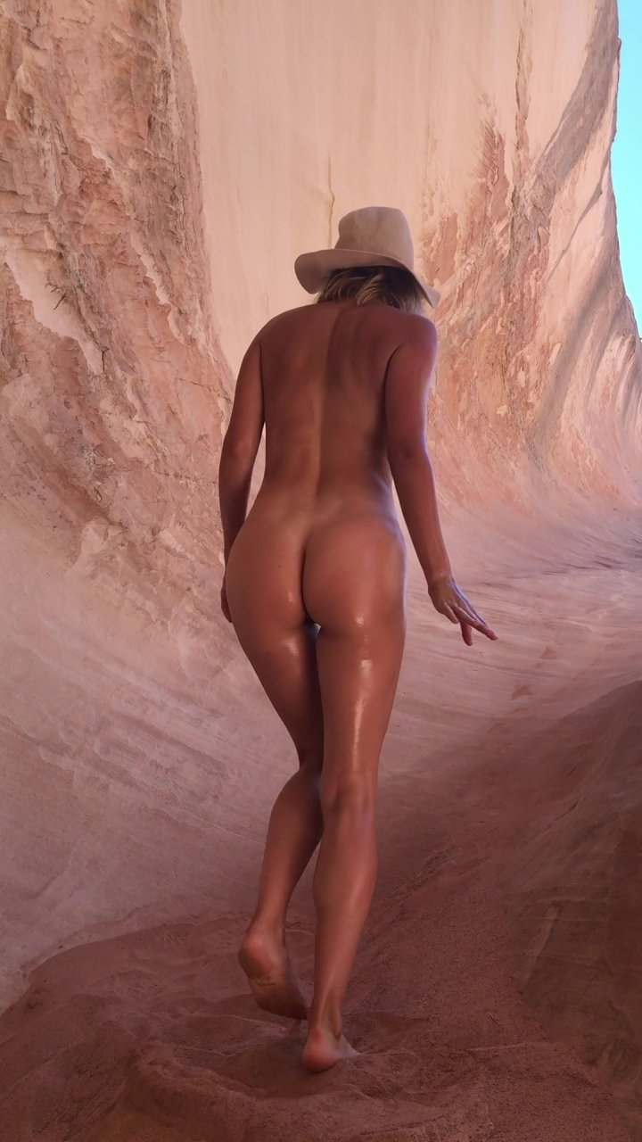Sara-Underwood-Naked-TheFappeningBlog.com-53.jpg