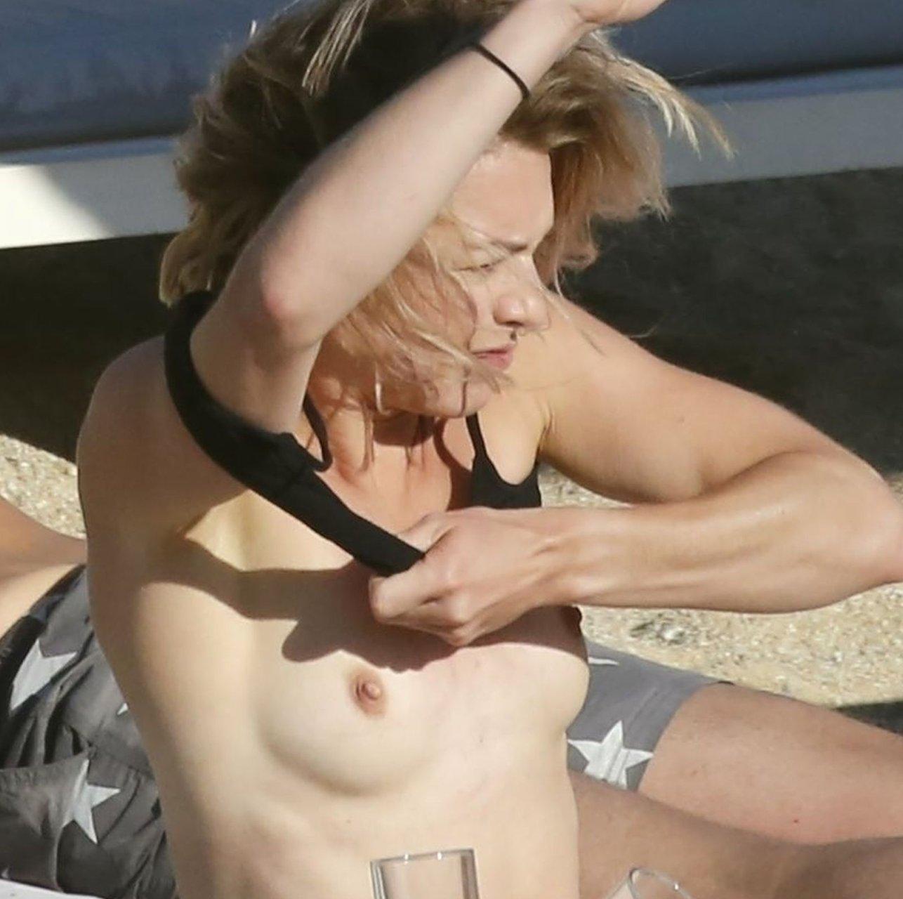 Stephanie-Pratt-Sexy-Topless-TheFappeningBlog.com-10.jpg
