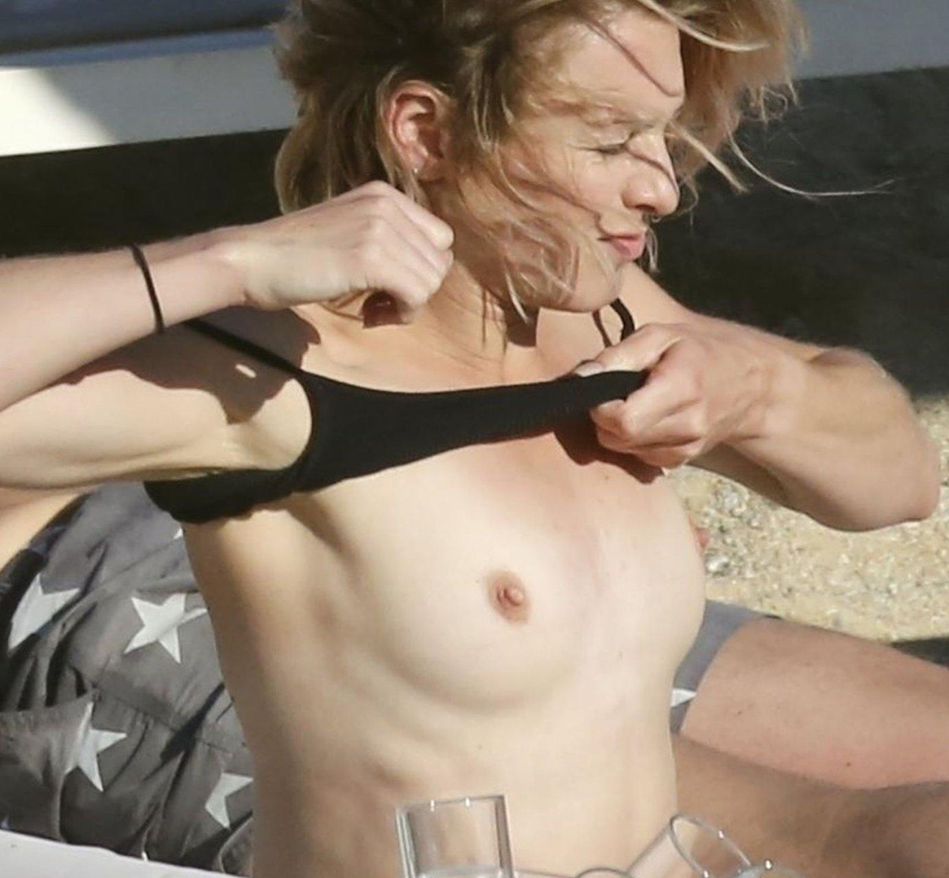 Stephanie-Pratt-Sexy-Topless-TheFappeningBlog.com-11.jpg