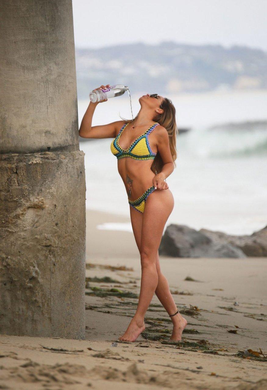 Ari Lezama Sexy (64 Photos + GIFs)
