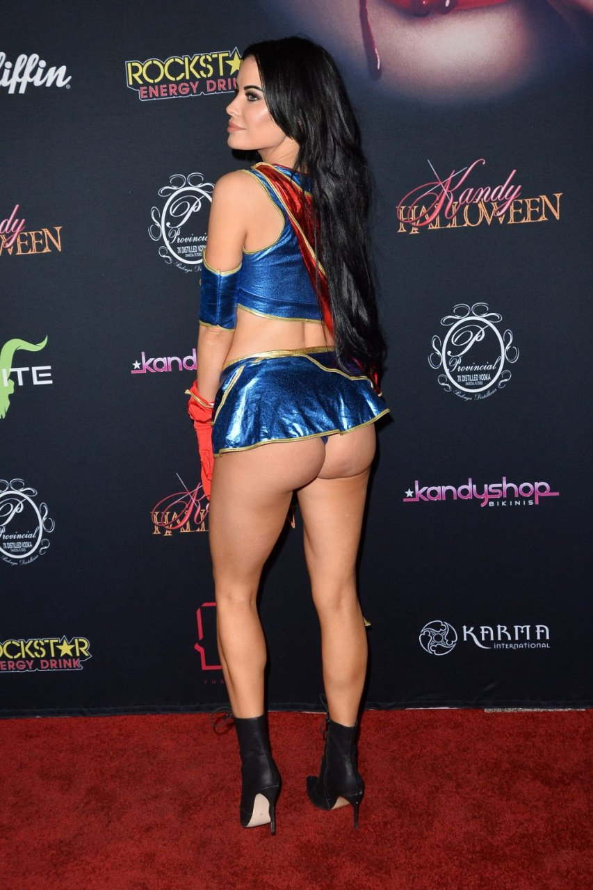Carla Howe Nude & Sexy (47 Photos + Video)
