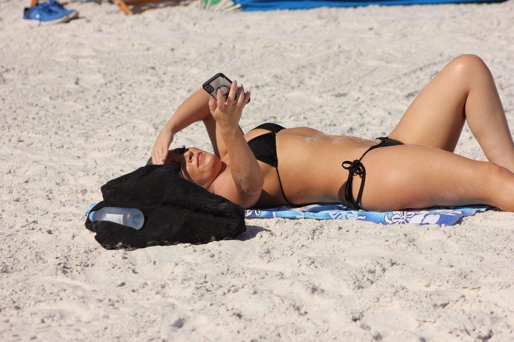 Carmen Valentina Sexy (36 Photos)