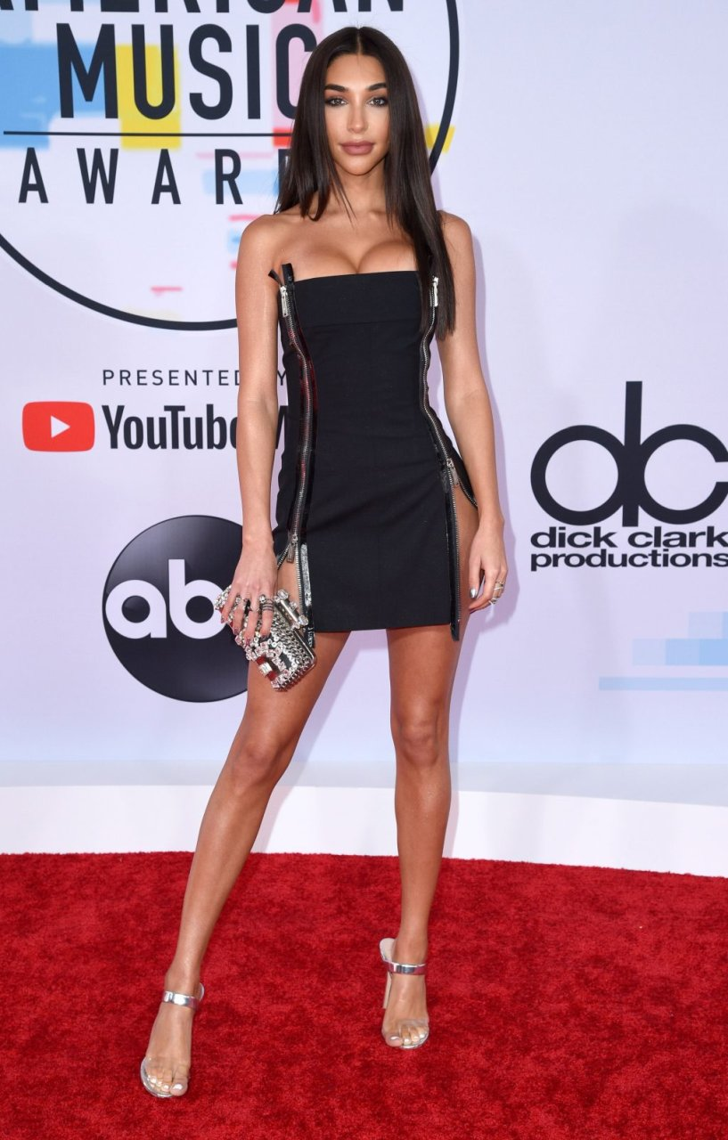 Chantel Jeffries Sexy (44 Photos)