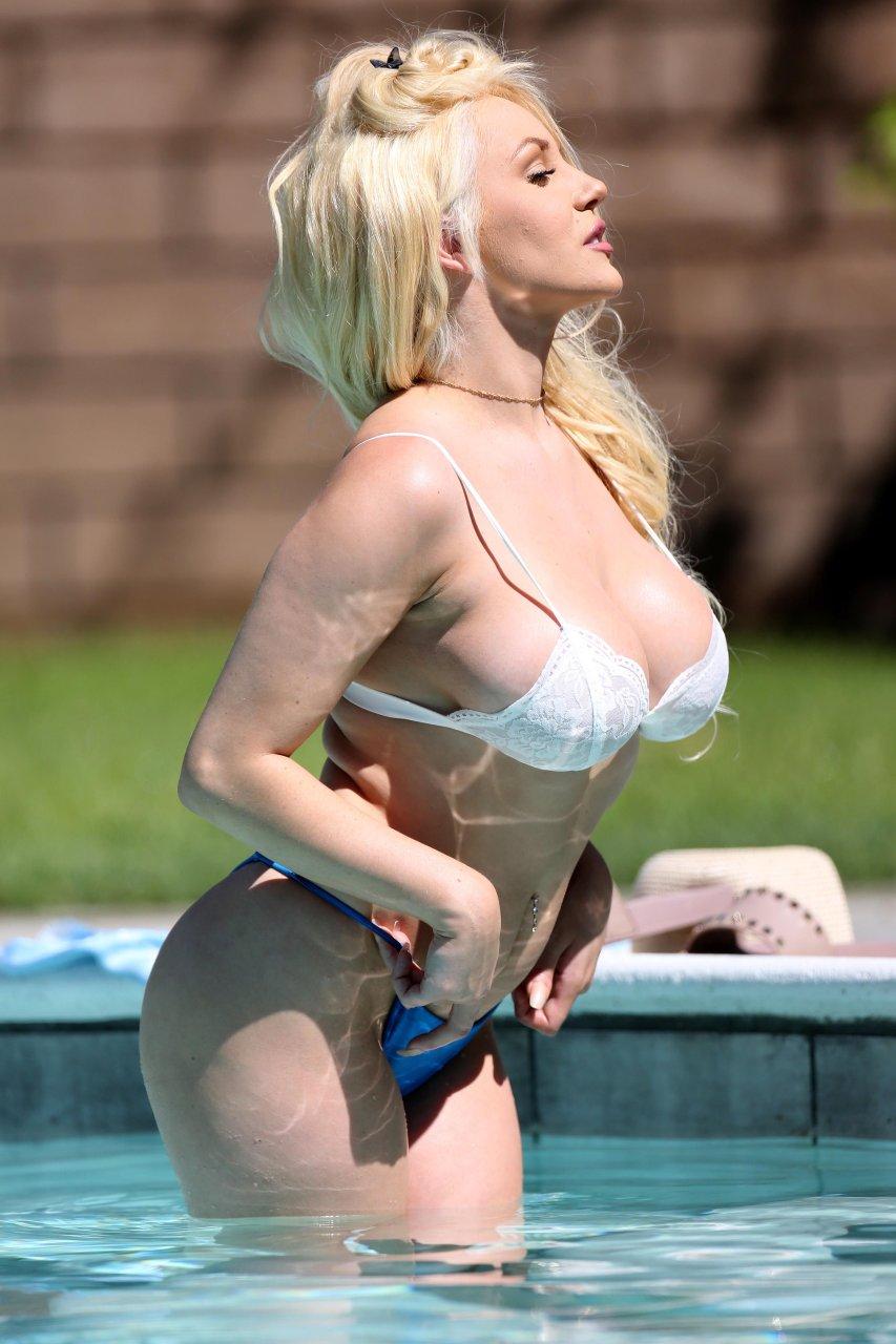 Courtney-Stodden-Sexy-TheFappeningBlog.com-18.jpg