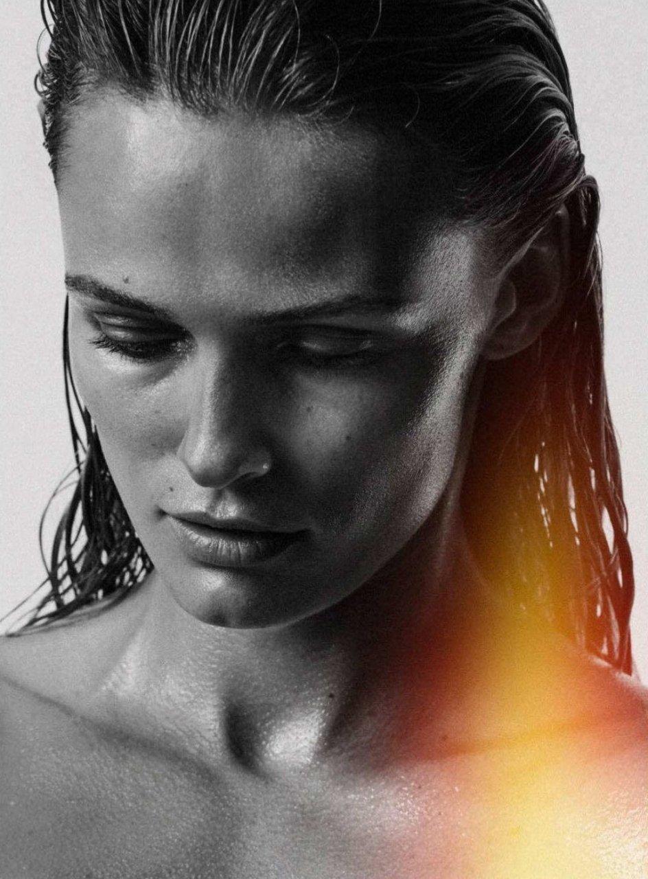 Edita Vilkeviciute Nude & Sexy (17 Photos)