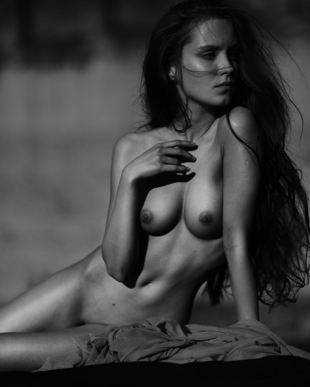 Raya Nude