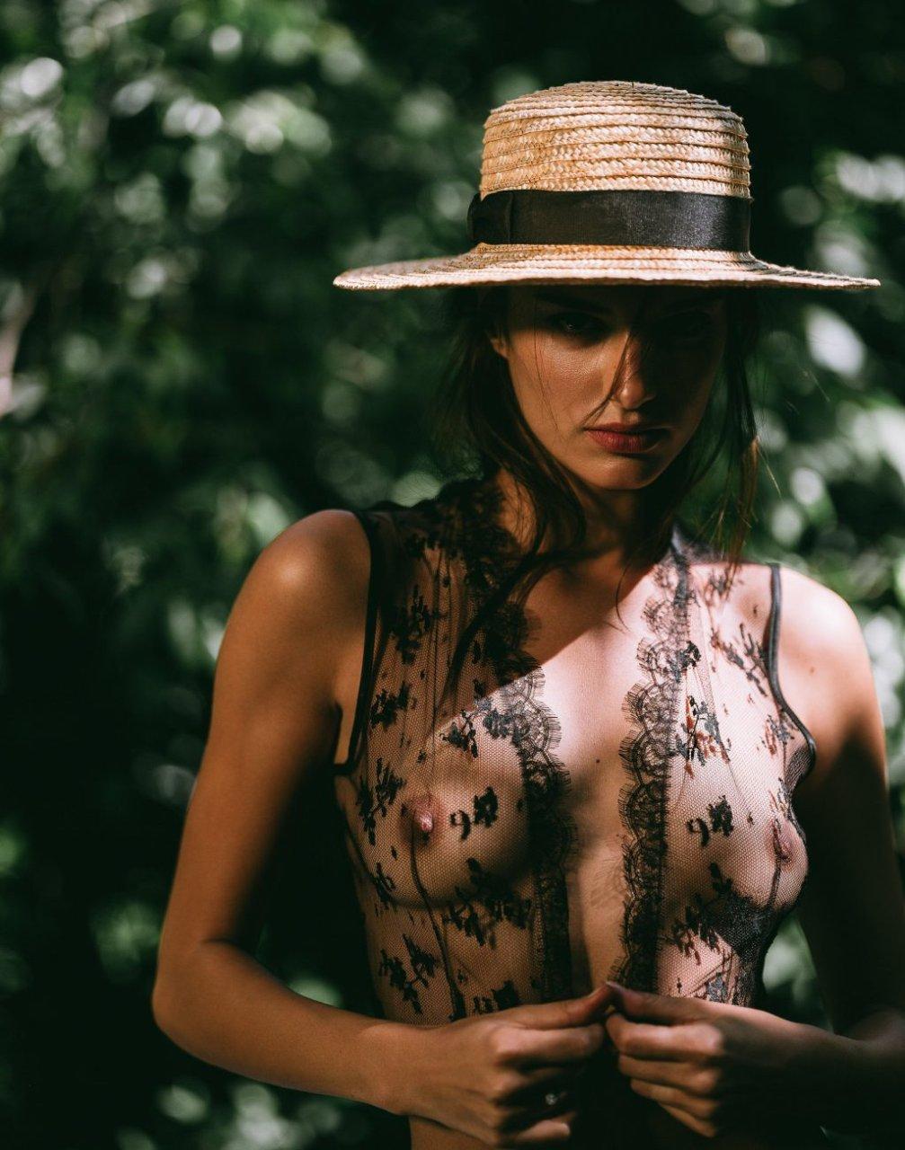 Gabrielle Caunesil Nude & Sexy (22 Photos)