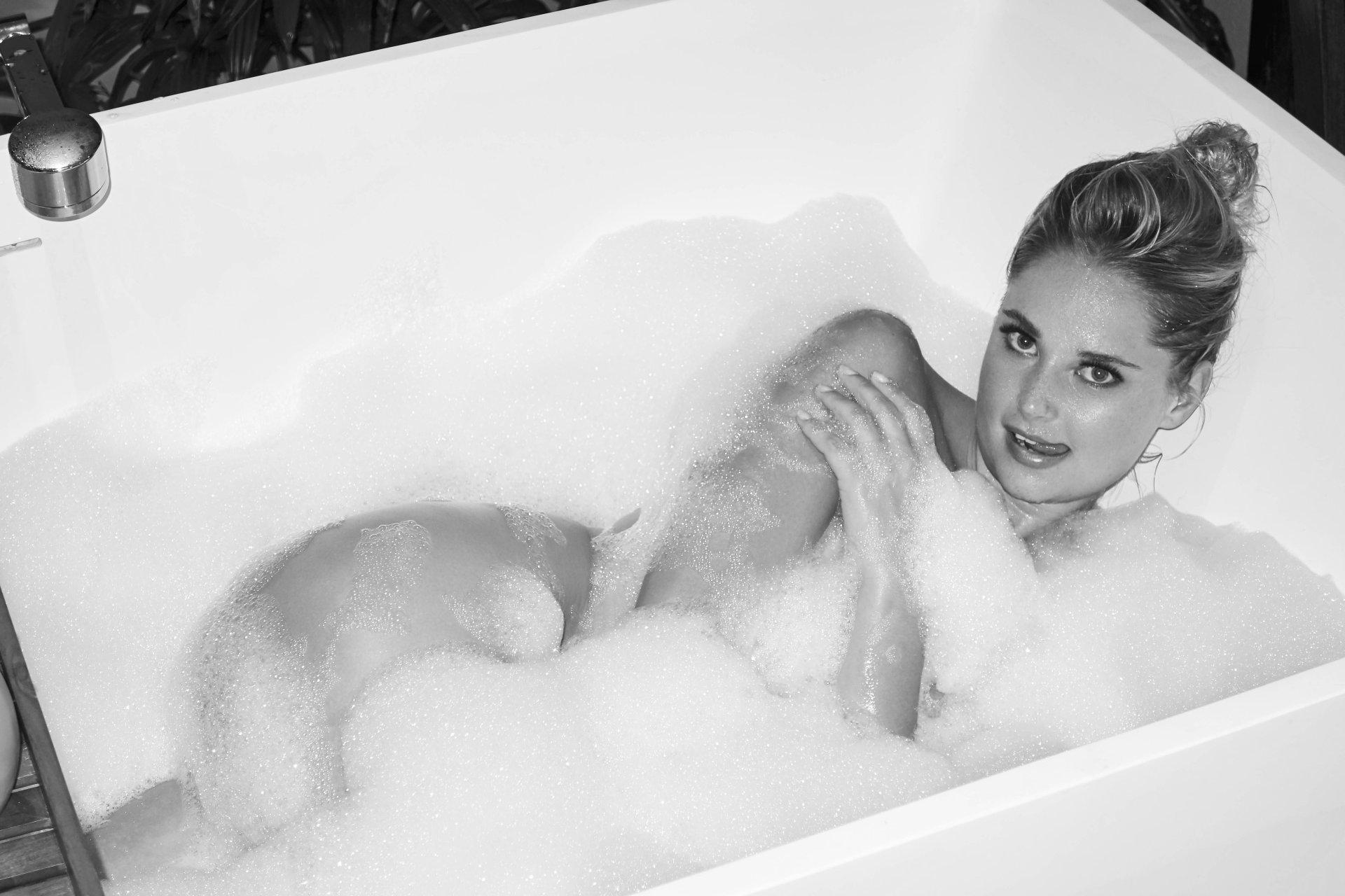 Genevieve morton nude photos naked sex pics