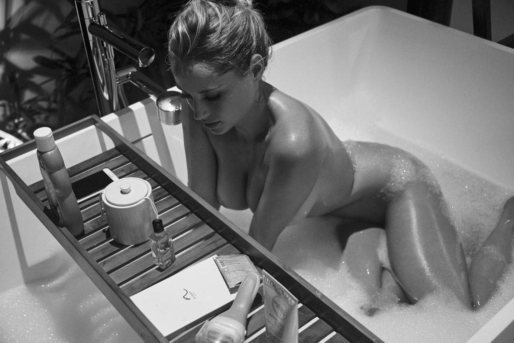 Genevieve Morton Naked (8 New Photos)