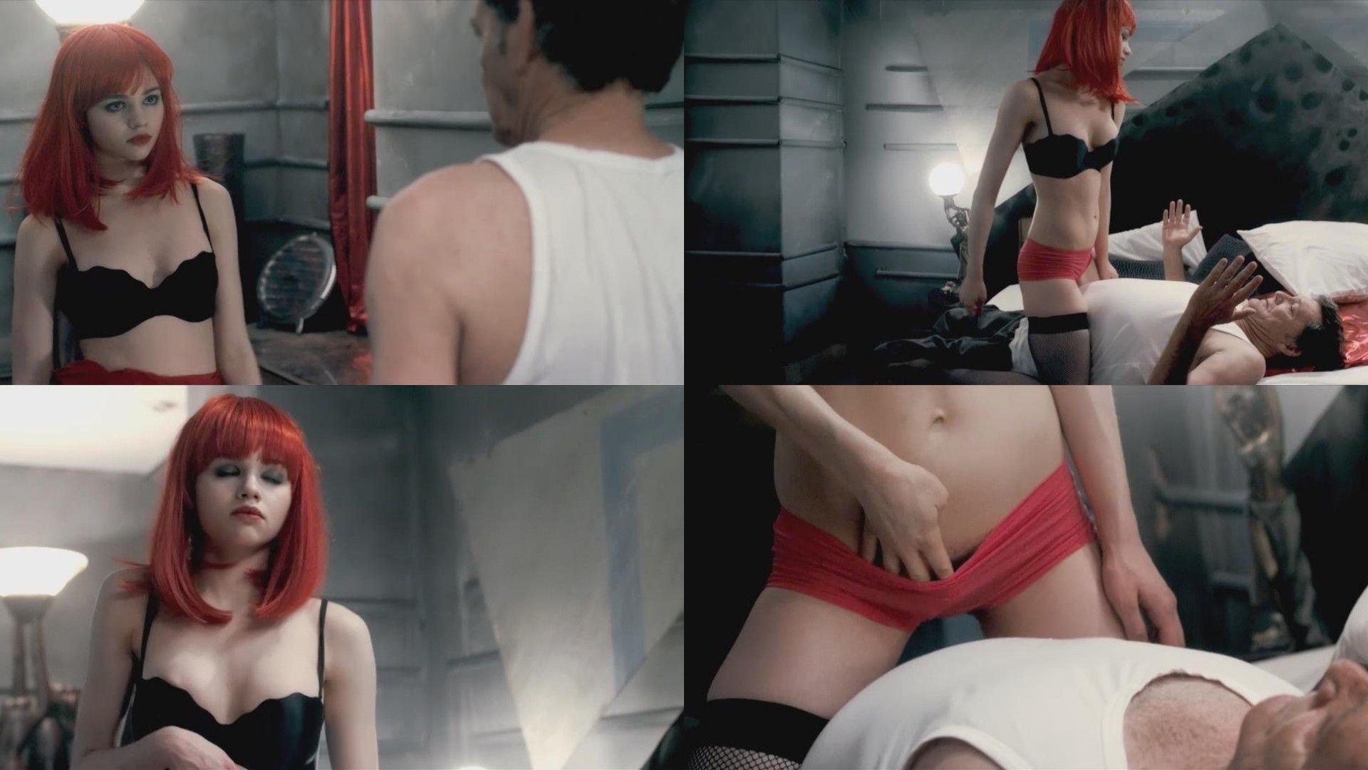 Natasha henstridge sexy ass