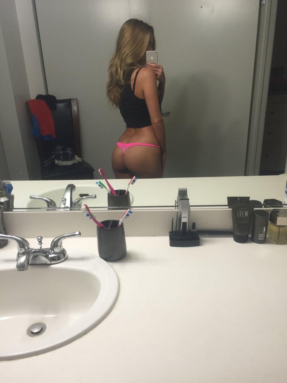 Kelsey-Laverack-Leaked-TheFappeningBlog.com-9.jpg