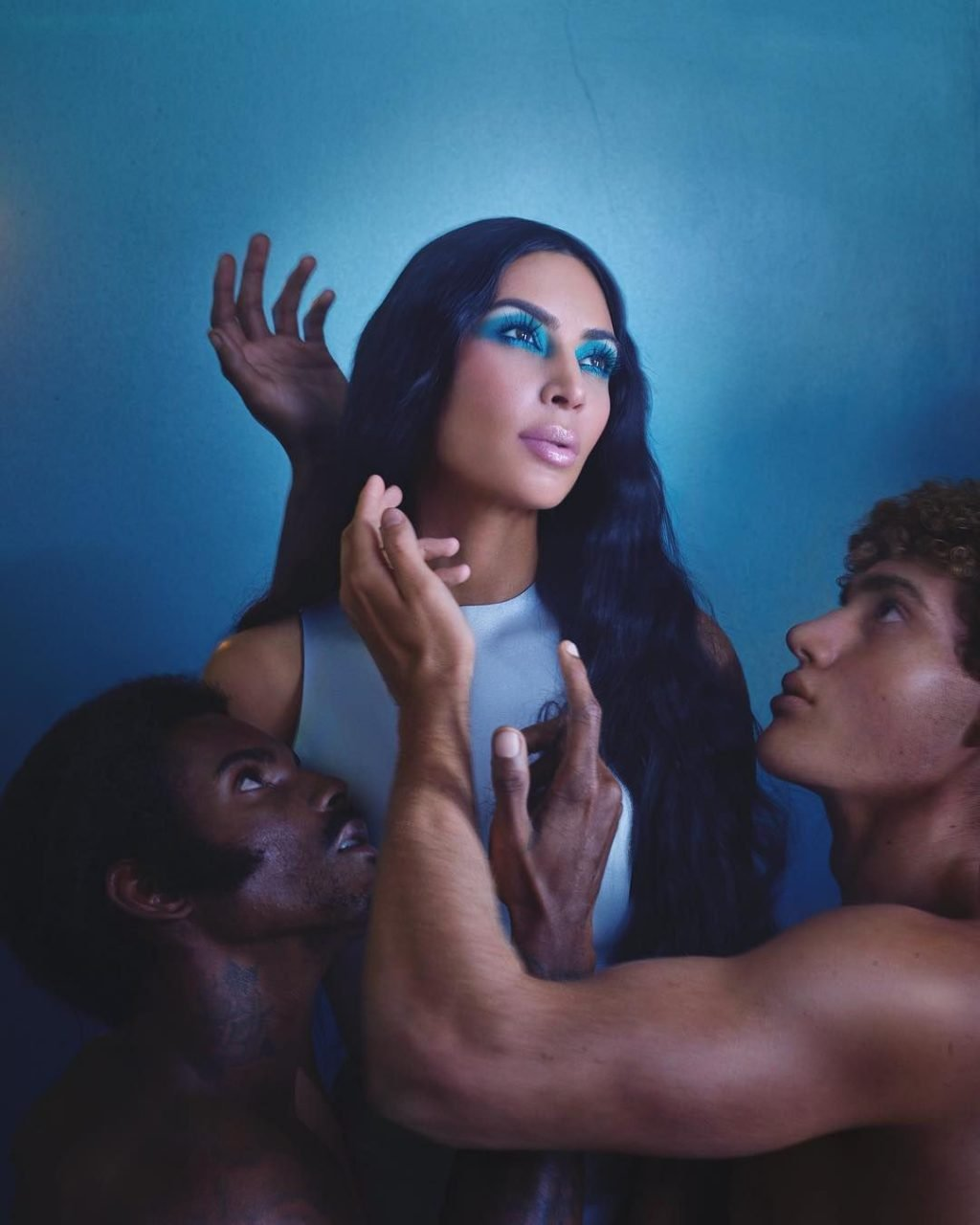 Kim Kardashian Sexy (4 New Pics)