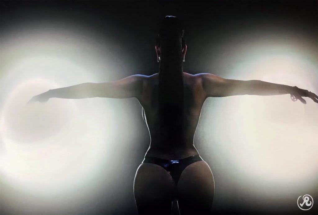 Kim Kardashian Nude & Sexy (8 Photos)