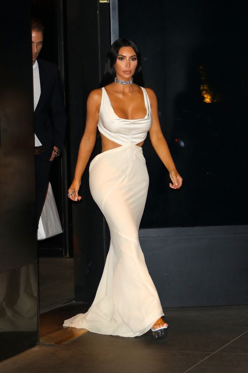 Kim-Kardashian-Sexy-TheFappeningBlog.com-10.jpg