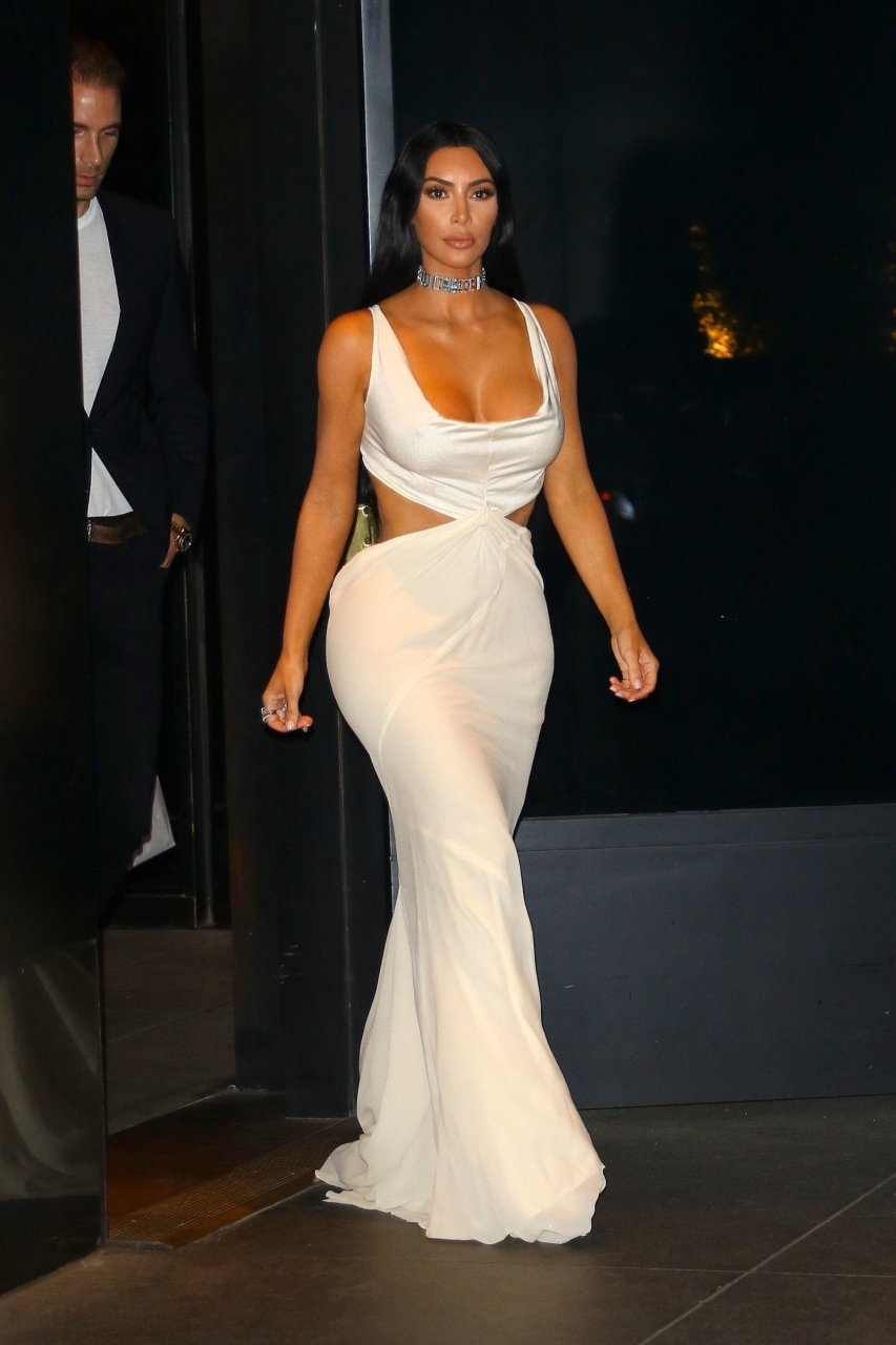 Kim-Kardashian-Sexy-TheFappeningBlog.com-11.jpg