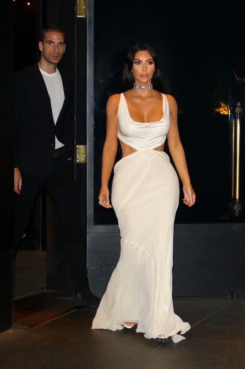 Kim-Kardashian-Sexy-TheFappeningBlog.com-16.jpg