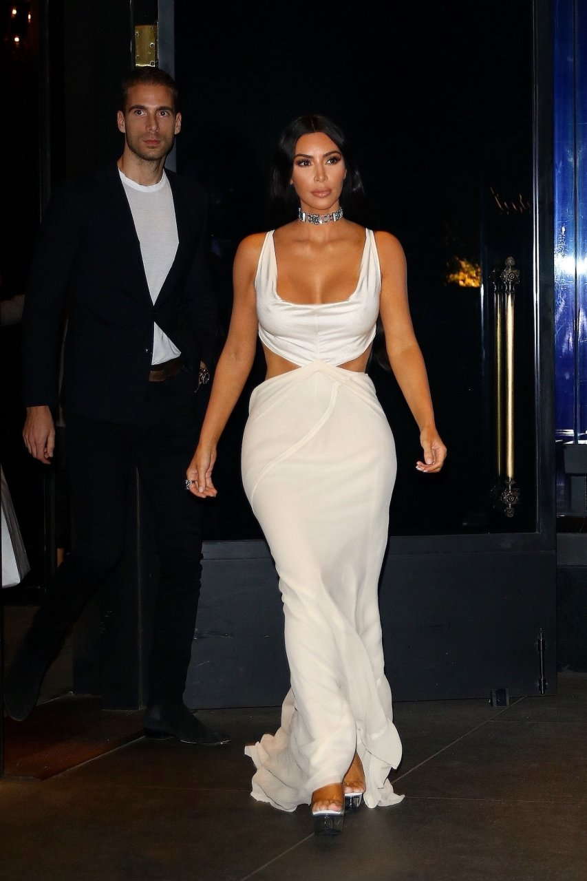 Kim-Kardashian-Sexy-TheFappeningBlog.com-18.jpg