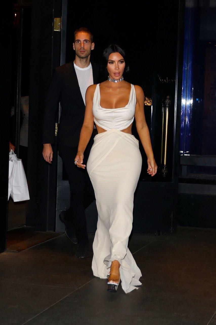 Kim-Kardashian-Sexy-TheFappeningBlog.com-20.jpg