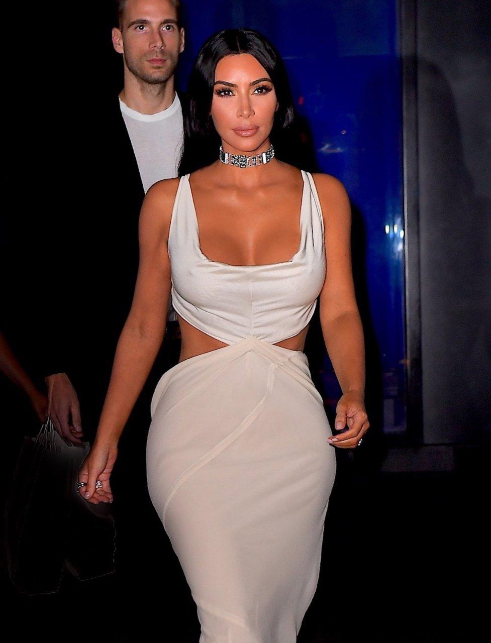 Kim-Kardashian-Sexy-TheFappeningBlog.com-25.jpg