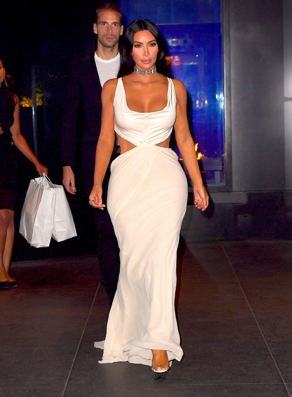 Kim-Kardashian-Sexy-TheFappeningBlog.com-36.jpg