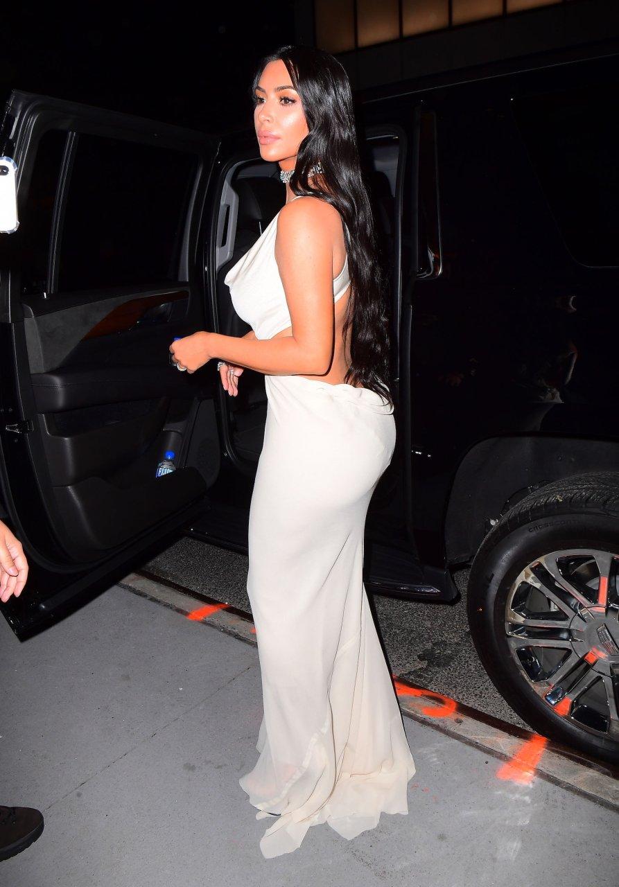 Kim-Kardashian-Sexy-TheFappeningBlog.com-37.jpg