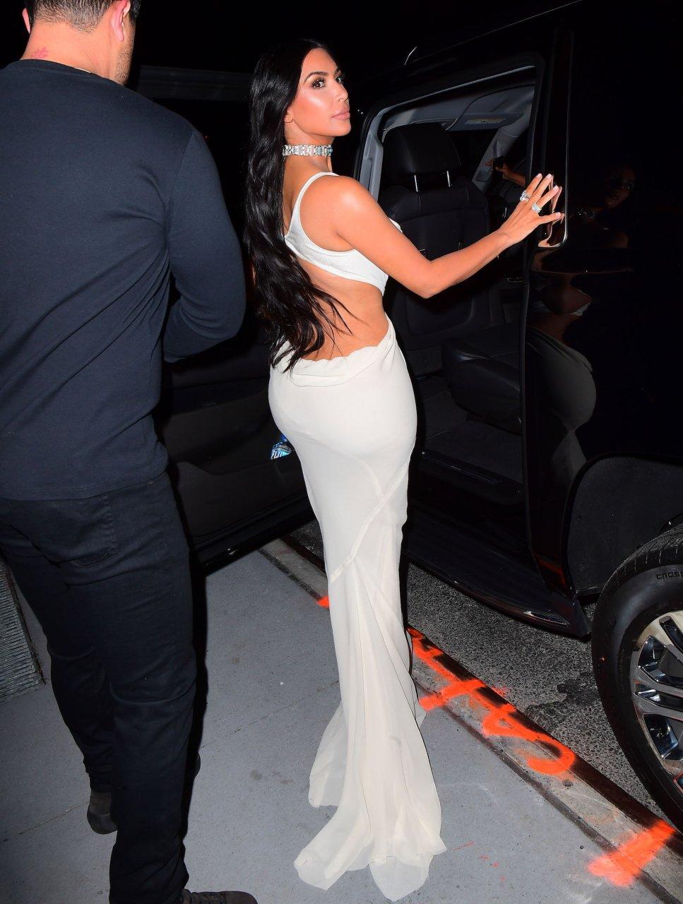 Kim-Kardashian-Sexy-TheFappeningBlog.com-38.jpg