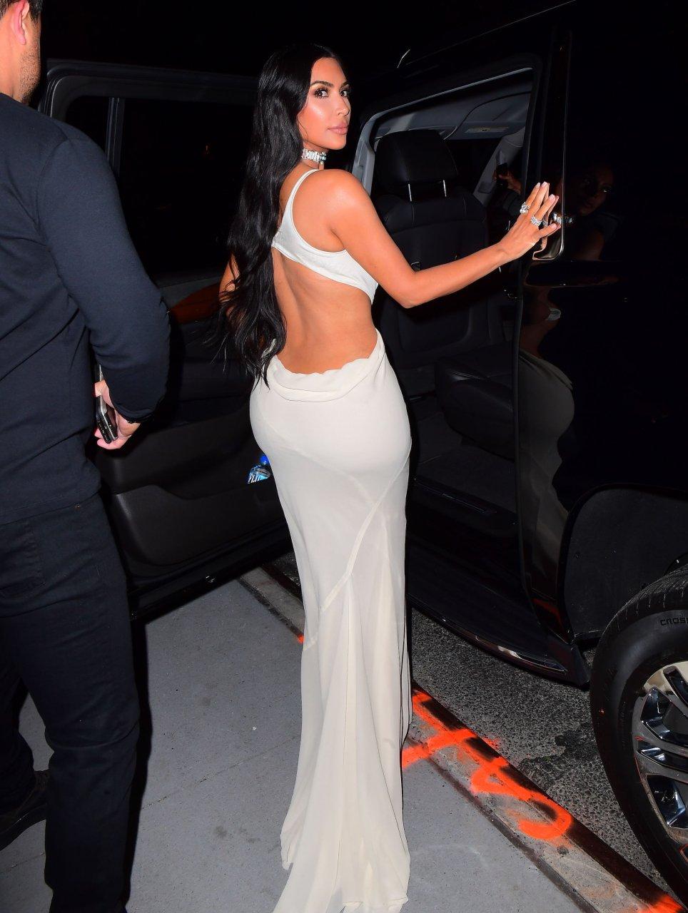 Kim-Kardashian-Sexy-TheFappeningBlog.com-40.jpg