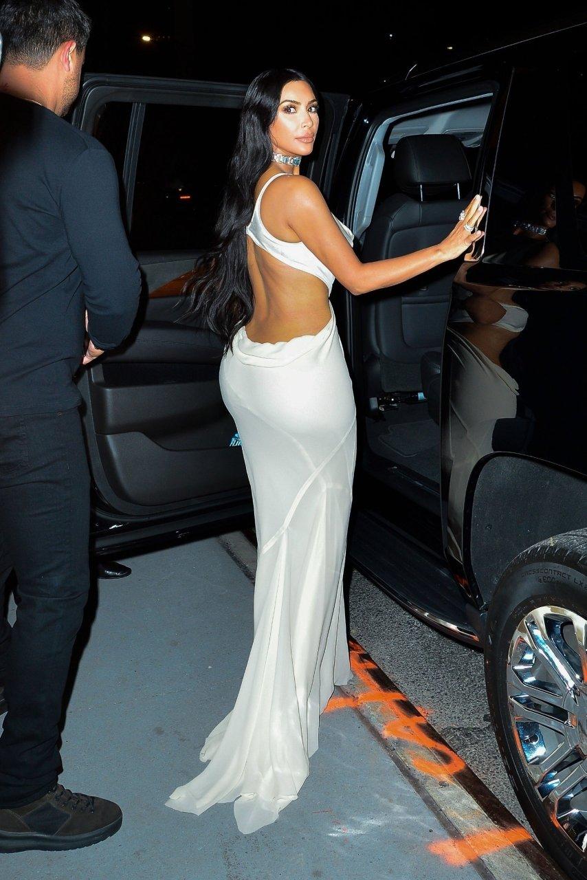 Kim-Kardashian-Sexy-TheFappeningBlog.com-7.jpg