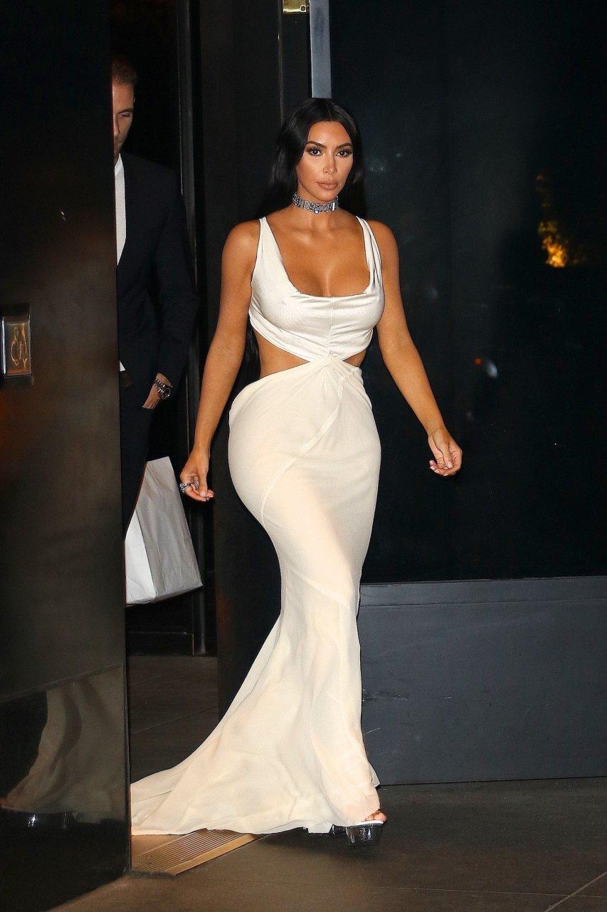 Kim-Kardashian-Sexy-TheFappeningBlog.com-9.jpg