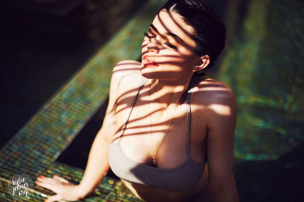 Kylie Kristen Jenner (9 Sexy Photos)