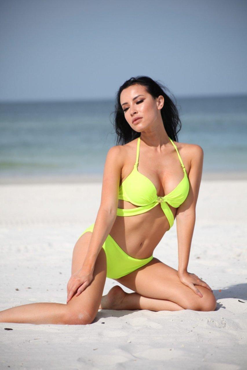 Lisa Opie Sexy (22 Hot Photos)