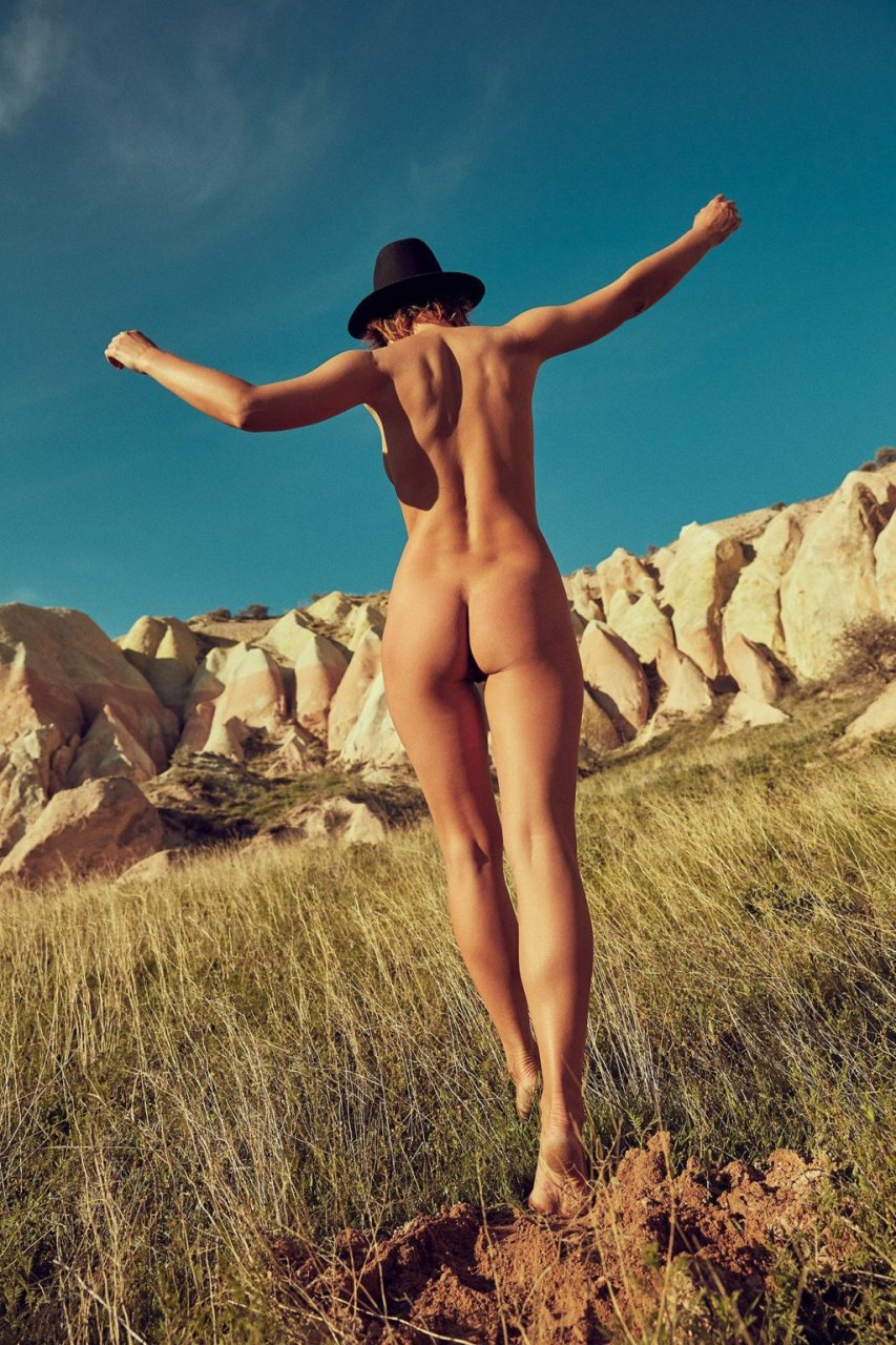 Marisa Papen Naked (21 New Photos)