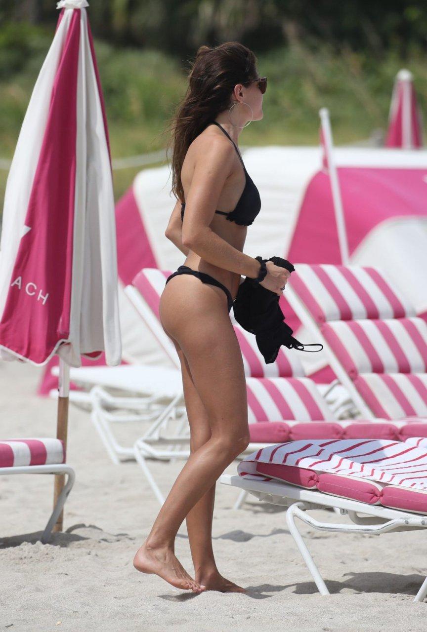 Natalia Alberto Sexy (34 Photos)