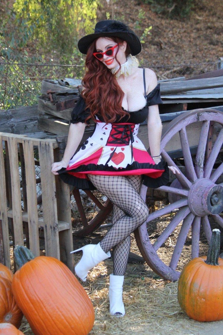 Phoebe Price Sexy (23 Photos)