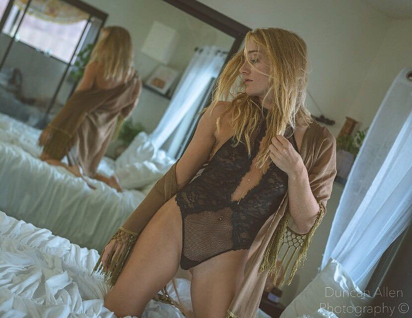 Shelby Anyway Nude & Sexy (142 Photos)